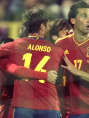Comemoração da espanha, Bielorrússia e Espanha (Foto: Agência Reuters)