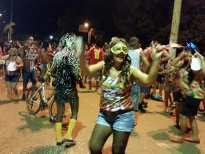 Desfile de blocos reúne 3 mil pessoas no carnaval de Guajará-Mirim, RO (Foto: Dayanne Saldanha/G1)