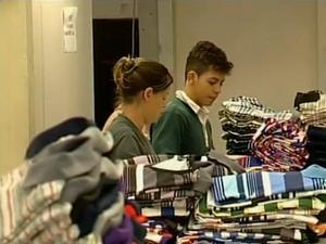 Importação de produtos asiáticos preocupa empresários de Divinópolis (Foto: Reprodução/ TV Integração)