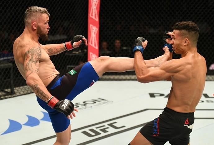 Damien Brown venceu Jon Tuck por decisão dividida no UFC Austrália (Foto: Getty Images)