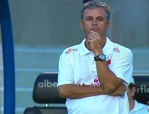 Robélio Schneiger, técnico do Vila Nova (Foto: Reprodução/TV Anhanguera)