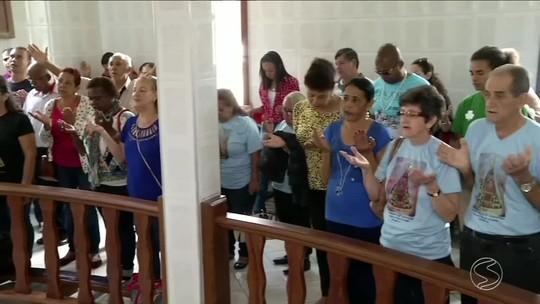 Cinco mil romeiros devem cruzar a Via Dutra, no Sul do Rio, em direção a Aparecida, em SP