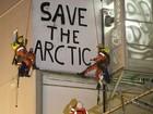 Ativistas do Greenpeace são detidos por bloqueio de plataforma na Holanda