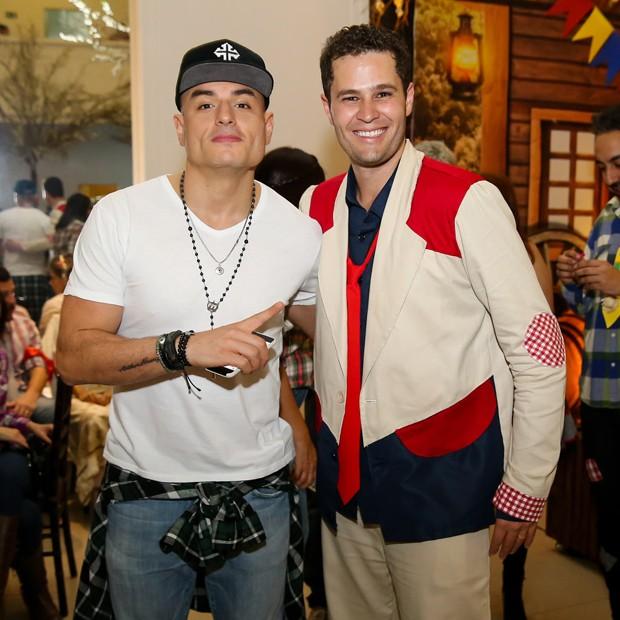 Carlinhos Silva e Pedro Leonardo (Foto: Manuela Scarpa/Brazil News)