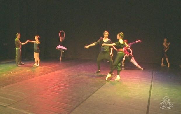 O grupo de solistas russos apresenta clássicos do balé como Quebra-Nozes (Foto: Acre TV)