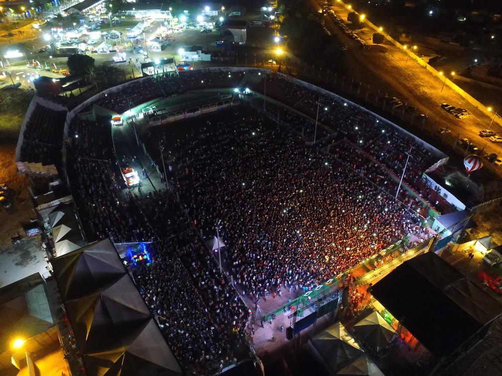 Arena ficou lotada na abertura da Expojipa (Foto: Expojipa/Divulgação)