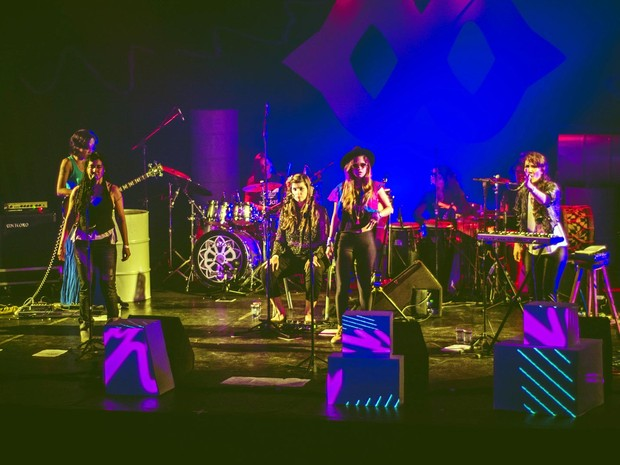 Coletivo Minavu se apresenta no teatro Gamboa (Foto: Taylla de Paula/Divulgação)