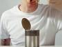 Alimentos em latas e plásticos podem alterar os hormônios e o metabolismo