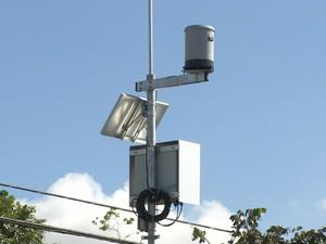 Defesa Civil instala equipamento para monitorar afluentes do Paraíba (Foto: Reprodução/TV Vanguarda)