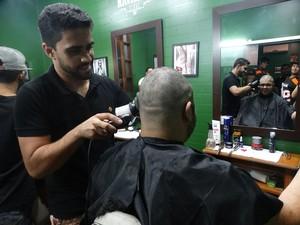 Atletas irão doar cabelo ao Instituto do Câncer Infantil do Agreste (Foto: Joalline Nascimento/GloboEsporte.com)