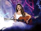 'Uma viagem', diz cantora Paula Fernandes sobre nova turnê