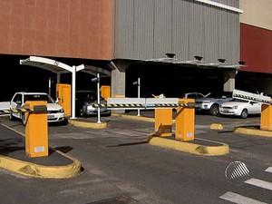Estacionamento Salvador Shopping, Bahia (Foto: Imagem TV Bahia)