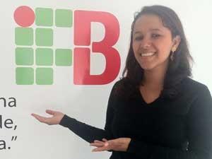 Aluna da primeira turma de tecnologia em gestão pública no IFB, Bruna Benevides (Foto: Raquel Morais/G1)