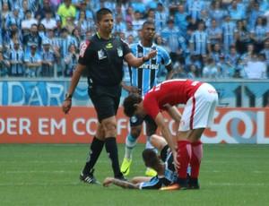 Rodrigo Dourado Luan Inter Grêmio  (Foto: Diego Guichard / GloboEsporte.com)