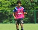 Páscoa e Leonardo treinam, mas não estão liberados para enfrentar o Goiás