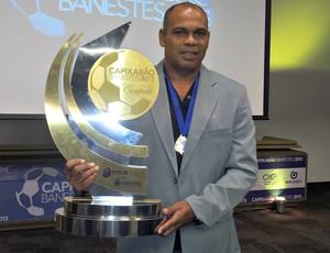 Mauro Soares, ex-técnico da Desportiva (Foto: Eduardo Dias/Globoesporte.com)