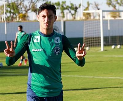 Diogo Barbosa tomou conta da lateral e é titular absoluto no Goiás (Foto: Rosiron Rodrigues/Goiás E.C.)