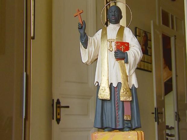 Conheça a nova imagem de Padre Victor que será divulgada na beatificação (Foto: Reprodução EPTV)