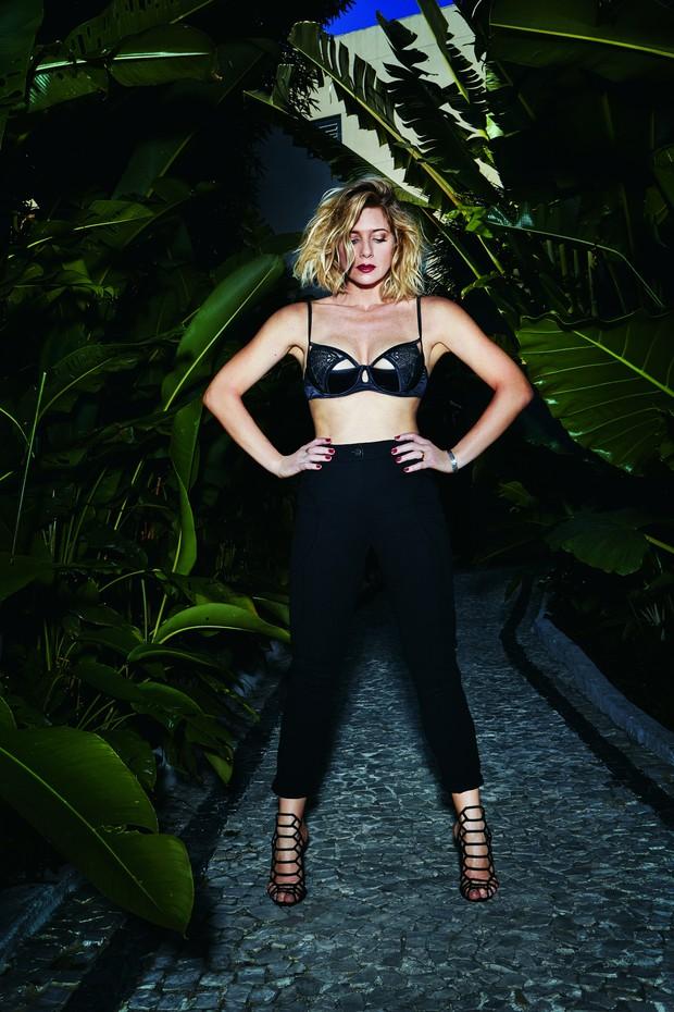 Leticia Spiller na revista VIP (Foto: Robert Astley-Sparke/ Revista VIP)