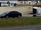 Caminhão tomba na SP-304 em Piracicaba e interdita faixa da rodovia
