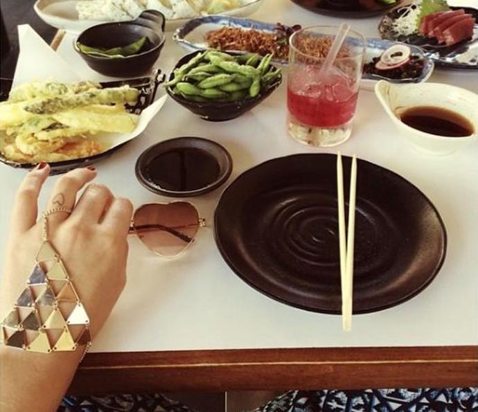 Bruna Marquezine adora comida japonesa (Foto: Arquivo pessoal)