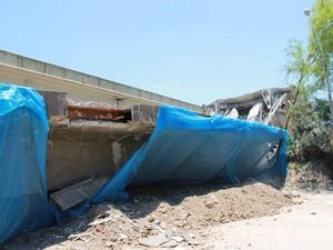 Restante dos pilares foi removido com máquinas. (Foto: DNIT/Divulgação)