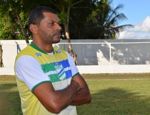 Nadélio Rocha vai para sua primeira Copa do Brasil como técnico (Foto: Felipe Martins/GLOBOESPORTE.COM)