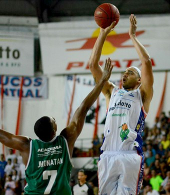 Jefferson Willian, Bauru x Palmeiras, NBB 7 (Foto: Henrique Costa / Bauru Basket)