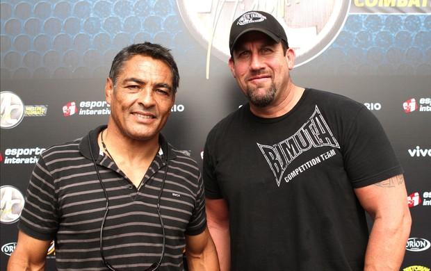 Rickson Gracie e Big John, Mestre do Combate (Foto: Marcelo Russio / Globoesporte.com)