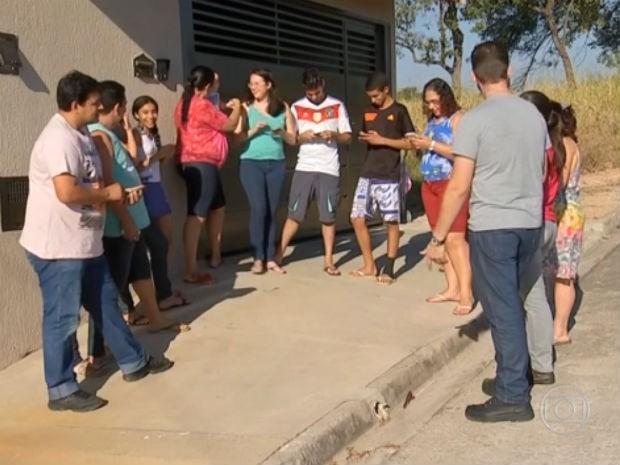 Vizinhos criam grupos no Whatsapp para evitar assaltos no interior de SP (Foto: Reprodução / TV Tem)