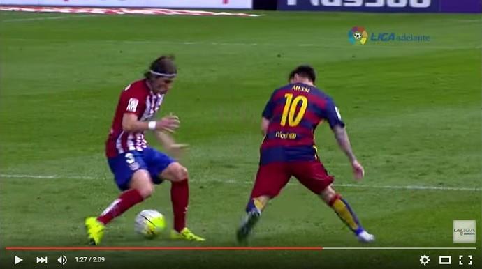 Messi dá caneta em Filipe Luís Atlético de Madrid x Barcelona