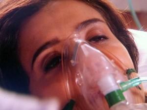 'Foi o Maurílio', afirma Cora ao abrir os olhos (Foto: TV Globo)