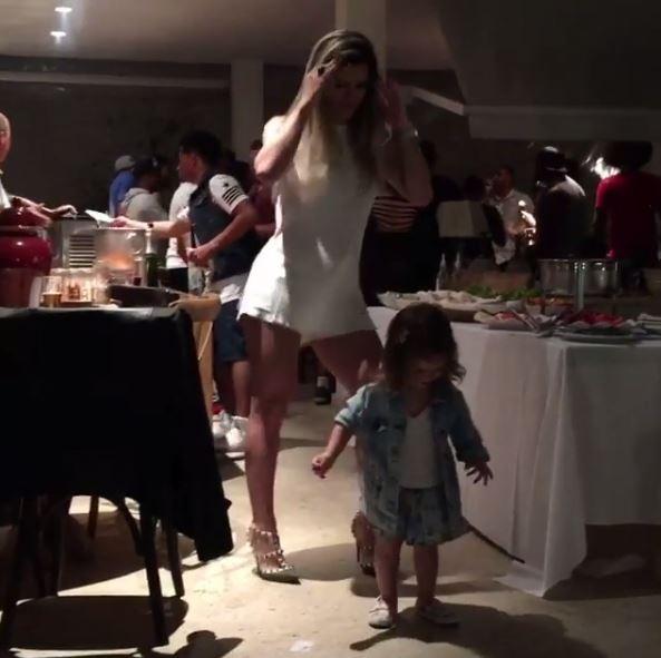 Mirella Santos dança com a filha, Valentina (Foto: Reprodução/Instagram)