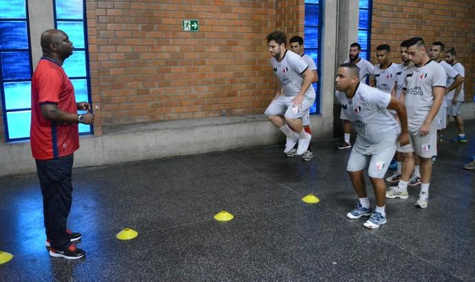 Treino Mogi Futsal (Foto: Cairo Oliveira)