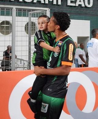 Jonas, lateral, América-MG (Foto: Divulgação / América-MG)