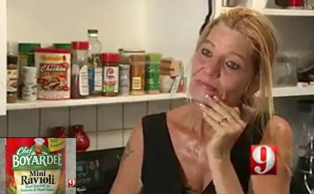 Victoria Harrah diz ter encontrado uma aranha em uma lata de ravióli. (Foto: Reprodução)