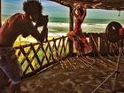 Ex-BBB Andressa exibe curvas em foto dos bastidores de ensaio