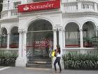 Bancários protestam no país contra demissões no Santander