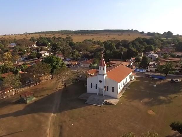 Povoado de Olhos D'Água, em Goiás, é cortado pela linha imaginária do Tratado de Tordesilhas (Grep) (Foto: Globo Repórter)