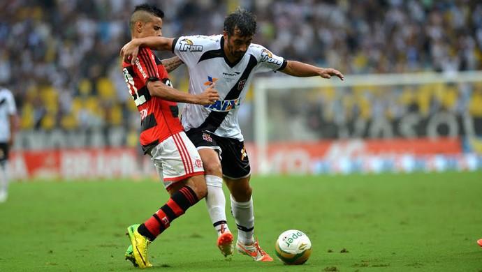 Everton e Douglas, Flamengo x Vasco (Foto: André Durão)