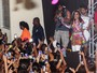 Anitta se apresenta para público infantil em show de carnaval