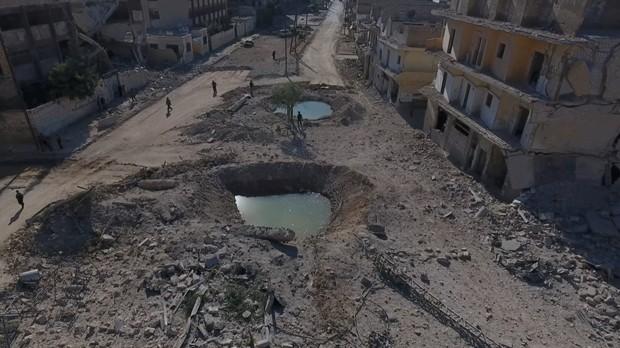 Bairros rebeldes de Aleppo foram submetidos a intensos bombardeios do regime sírio e da Rússia (Foto: Reuters)