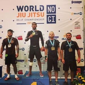 Erberth superou a perca de peso e conquistou o título na Pesado, no Mundial No-Gi (Foto: Arquivo Pessoal)