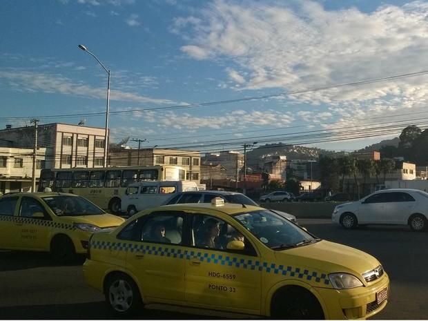 Táxi Juiz de Fora (Foto: Roberta Oliveira/ G1)