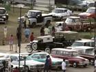 Colecionadores expõem mais de 350 carros antigos em Goiânia