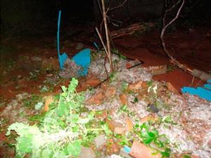 Muro quebrado com a força da água em Santo Cristo, RS (Foto: Emerson Bernardi/Prefeitura de Santo Cristo)