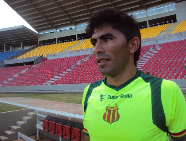 Júnior Chicão quer aproveitar chance no Sampaio (Foto: Afonso Diniz/Globoesporte.com)
