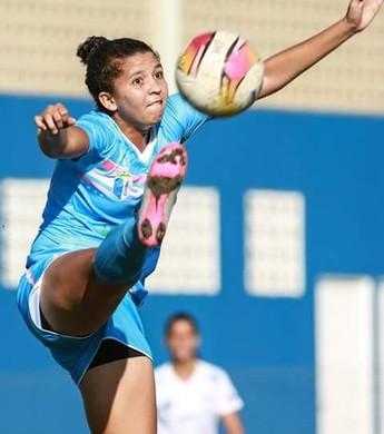 Beatriz Ayres marcou três gols em duas partidas, e está empatada na artilharia do time roraimense com Érika (Foto: Luis Pires/CBDU)