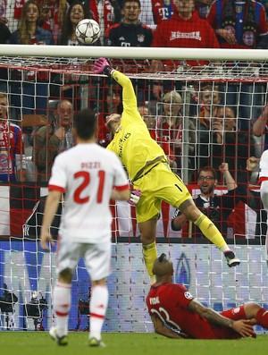 Ederson Bayern de Munique x Benfica (Foto: AP)
