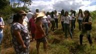 Agricultoras que cultivam horta urbana vão a Murici conhecer assentamento